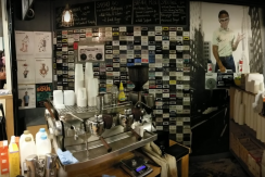 Fantastic Espresso Bar in the Heart of Melbourne CBD (Our Ref V1086)